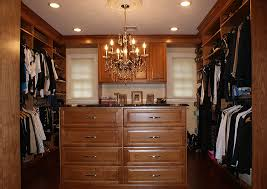 what are the characteristics of wood closet systems shoe