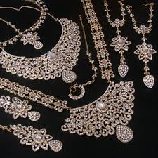 bridal indian necklace set images B01e03ec2d1be683ddb45e91b6115a28 indian bridal jewelry sets indian jpg