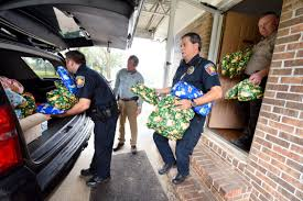 police deputies deliver christmas gifts for kids local
