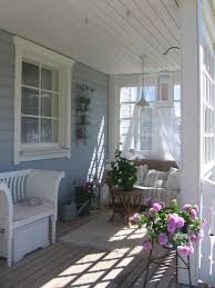 Shabby Chic Patio Decor by Best 25 Enclosed Porch Decorating Ideas On Pinterest Outdoor
