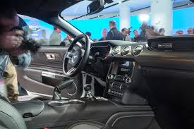 Pictures Of Black Mustangs 11 Significant Changes To The Refreshed 2018 Ford Mustang Motor