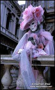 venetian carnival costumes the elaborate carnival of venice beautiful costumes and masks