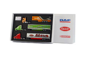 paccar trucks paccar three truck set peterbilt kenworth u0026 daf dhs diecast