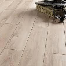 parquet pour cuisine leroy merlin carrelage sol et mur beige effet bois l 15 x l 90 cm leroy