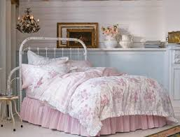 White Shabby Chic Bedroom by Best 25 Shabby Chic Comforter Ideas On Pinterest Shabby Chic