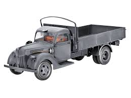 opel truck ww2 revell 1 35 scale german truck v3000s 1941 amazon co uk toys u0026 games