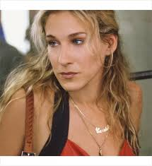 carrie necklace gold carrie bradshaw s most memorable accessories savoir flair
