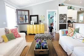 Farmhouse Sitting Room - cottage style farmhouse elegant home decorating blogs