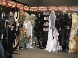 what does an old circuit city dress up as for halloween halloween