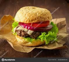 cuisiner chignon langue de boeuf big burger maison délicieux avec escalope de bœuf fromage oignon