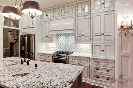Kitchen Backsplash With White Cabinets by Simple White Tile Backsplash Kitchen With Smart Windows 3009