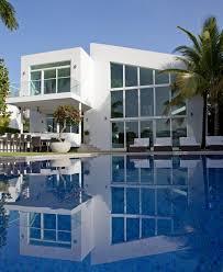 contemporary family house in golden beach florida