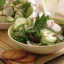 cuisiner les pois mange tout salade de pois mange tout concombre et radis recettes