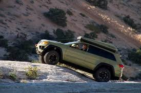 2018 jeep grand wagoneer spy photos jeep 2020 jeep grand wagoneer spy photos 2020 jeep grand