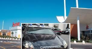 si e auto auchan carabinieri all auchan di giugliano coppia scoperta in flagranza