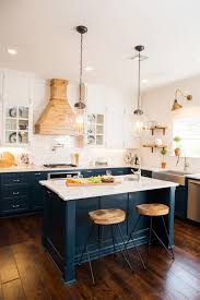 house to home interiors kitchen cabinets colors kitchen cabinets vs white house to