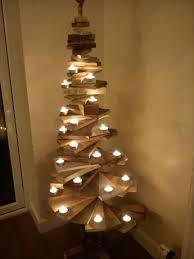 recycled wooden pallet christmas decor ideas pallet christmas
