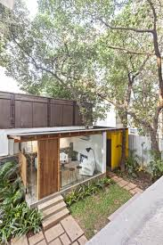 abraham john architects designs a private home in mumbai india