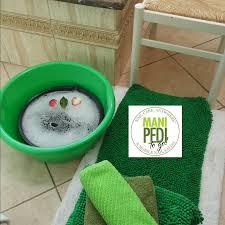 mobile nail service l a manicure pedicure service delivery