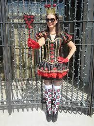 the traveling black dress halloween queen of hearts edition