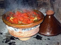 cuisiner avec un tajine en terre cuite tajine de lieu jaune à l ajowan et à la réglisse cuisine de la mer