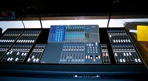 Mixing Table Digital Mixing Console Wikipedia