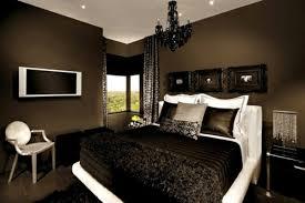 braune schlafzimmerwand schlafzimmer ideen braunes bett rheumri