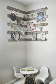 Using Old Barn Wood Best 25 Rustic Corner Shelf Ideas On Pinterest Door Crafts