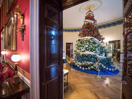 Christmas Decorations Blue Room by White House Christmas 2015 A Holiday Spectacular Hgtv U0027s