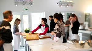 stage de cuisine gastronomique activités incentives lyon tourist office and convention bureau