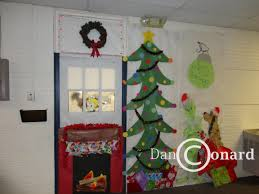 Christmas Tree Door Decoration Contest Bingham Decorates Classroom Doors My View On Runnemede