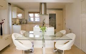 petites cuisines ouvertes modle de cuisine ouverte une cuisine ouverte dlimite grce au sol