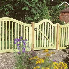 decorative garden fencing edging  Margarite gardens