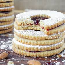 traditional raspberry linzer cookies christmas cookies