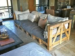 sofa selbst gestalten die besten 25 sofa aus palletten ideen auf