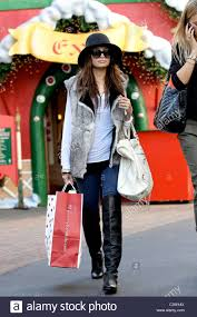 nicole richie shopping for christmas gifts at pottery barn kids