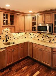 brown kitchen cabinets with backsplash ba1025 travertine glass
