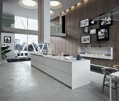 ilot central cuisine contemporaine cuisine moderne avec grand ilot central dans un loft grande
