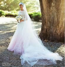 anne hathaway u0027s valentino white wedding dress stylefrizz