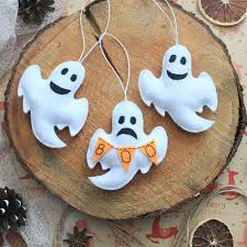 Glass Halloween Ornaments by 25 Spooky Etsy Halloween Decorations To Get In 2017