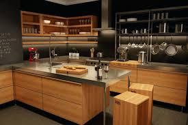 cuisine bois massif contemporaine cuisine bois massif moderne cuisine julie de style bistro en bois