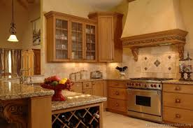 Traditional Italian Kitchen Design Traditional Light Wood Kitchen Cabinets 59 Kitchen Design Ideas