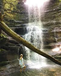 30 bucket list waterfalls in the midwest that you need to visit
