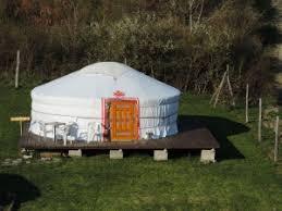 tende yurta dormire in una yurta il ceggio ca cigolara di borgo val di