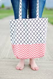pattern for tote bag with zipper craftaholics anonymous diy tote bags