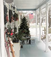 while i linger christmas on the front porch 2016