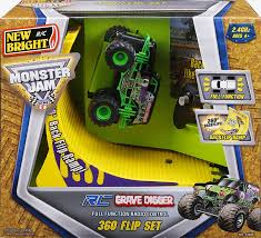monster truck backflip videos amazon com new bright r c f f 4x4 monster jam grave digger with