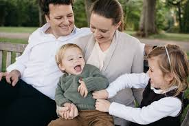 what to wear for your family photo session a step by step guide