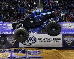grave digger monster truck wiki image e4bc0a40 32d1 4b50 a656 58d2da77e17f jpg monster trucks