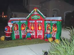 strikes again steals yard decorations